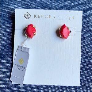 NWT Kendra Scott Inaiyah Red MOP Stud Earrings